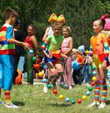 Детский лагерь - лучшее место для детей на летние каникулы /