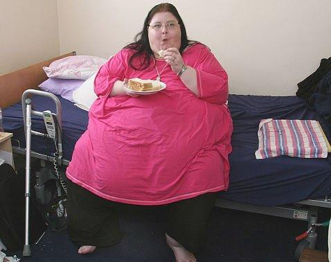 Самая толстая женщина отказалась похудеть к своей свадьбе и ее не пугает возможная смерть! ФОТО