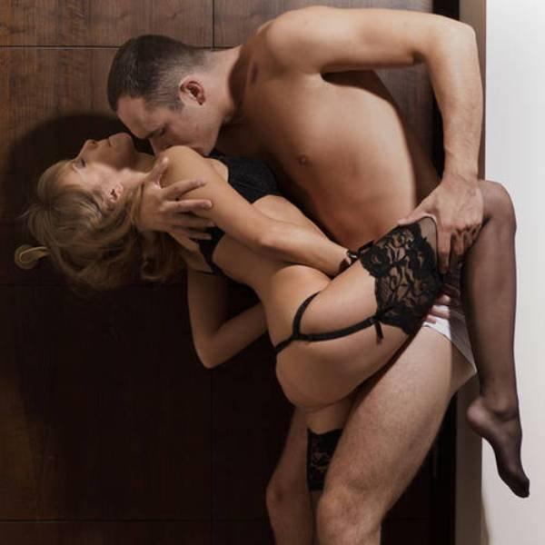 Сексуальные позы на весу. ФОТО