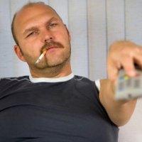 Курение провоцирует облысение у мужчин. ФОТО