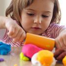 Выбираем практичные игрушки для детей /  Мама /