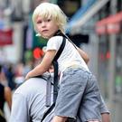 Уникальное приспособление для переноски детей Piggyback Rider /  Мама /