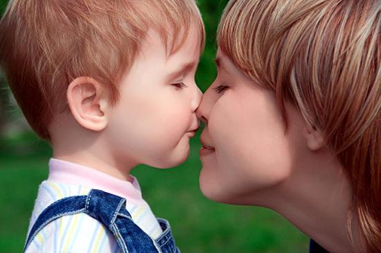 Что необходимо вашему ребенку? /  Мама /