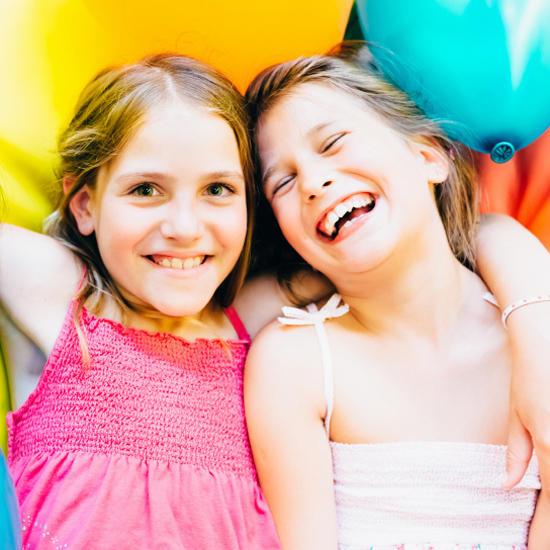 10 способов воспитать счастливого ребенка /  Мама /