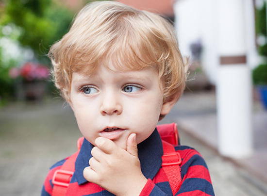 Эмоциональное развитие ребенка начинается с пеленок /  Мама /
