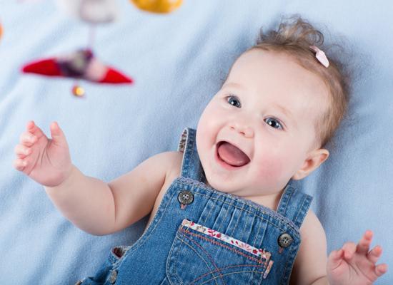 Какие игрушки необходимы для новорожденного? /  Мама /