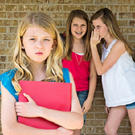 Изгои в классе: Предупреждать ситуацию или разгребать последствия? /  Мама /